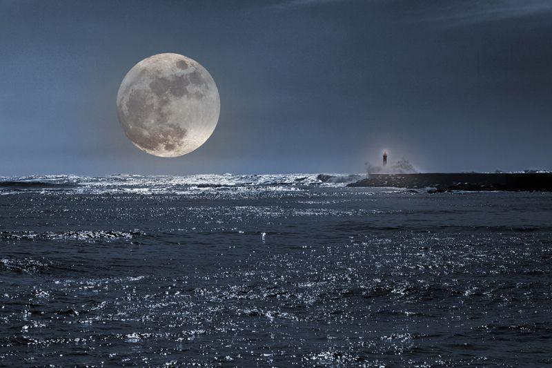 Carta da parati Luna sul mare